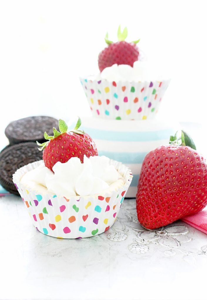 White Chocolate Strawberry Mini Cheesecakes have an OREO cookie crust ...