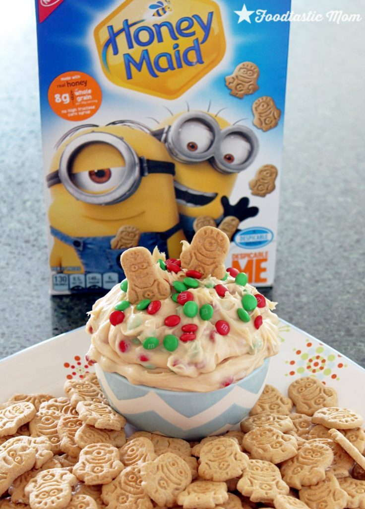 Peanut Butter Cheesecake Dip with Honey Maid Minion Dippers by Foodtastic Mom