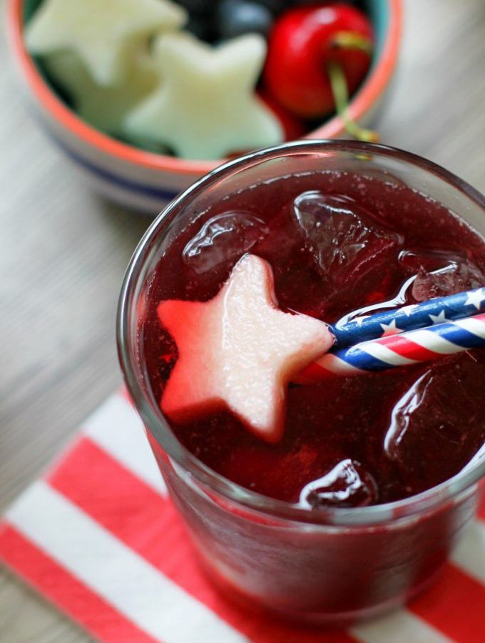 Red White and Blue Sangria with Sweet'N Low #donthesitaste