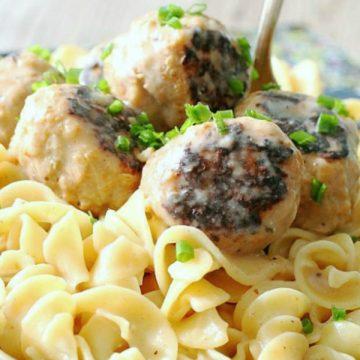 Pork Apple Meatballs with Hard Cider Gravy | Foodtastic Mom #meatballrecipes #meatballs