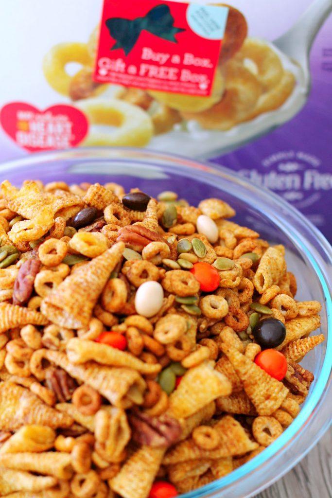 Pumpkin Spice Cheerios™ Snack Mix by Foodtastic Mom
