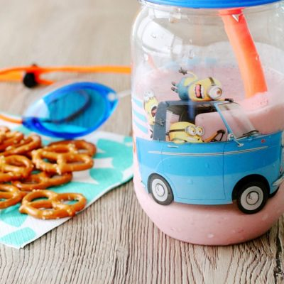 Banana Strawberry Smoothie by Foodtastic Mom