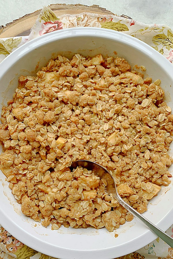 freshly baked apple crisp just out of the oven