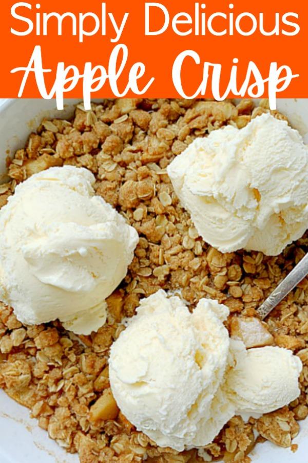 Simply Delicious Apple Crisp | Foodtastic Mom #applecrisp #applerecipes #applecrisprecipeeasy
