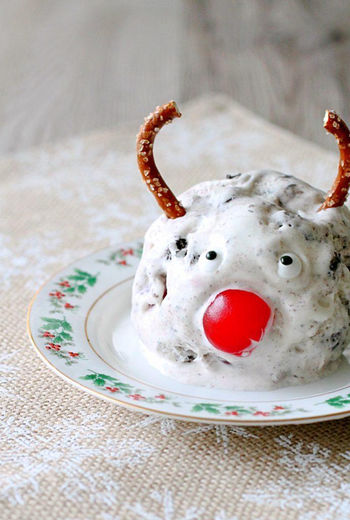 No-Churn Rudolph Tracks Ice Cream by Foodtastic Mom #SpreadOREOCheer