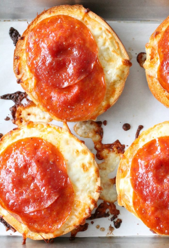 Pizza Bagels with Video by Foodtastic Mom #pizzabagels #video