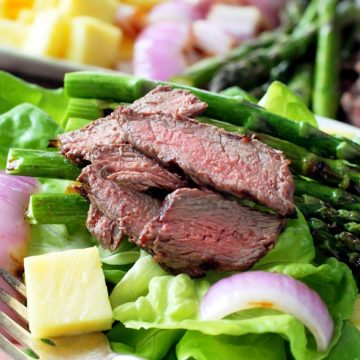 Grilled Steak and Asparagus Salad with Pineapple Vinaigrette by Foodtastic Mom #OhioBeef