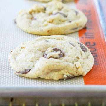 The Best Chocolate Chip Cookies by Foodtastic Mom #cookies #chocolatechipcookies