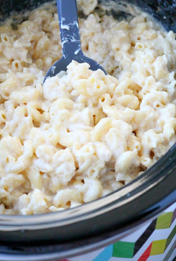 Slow Cooker Alfredo Macaroni and Cheese by Foodtastic Mom
