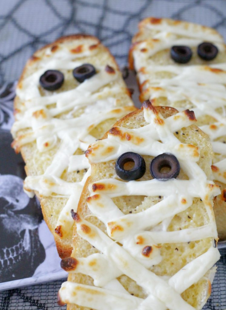 Mummified Garlic Bread