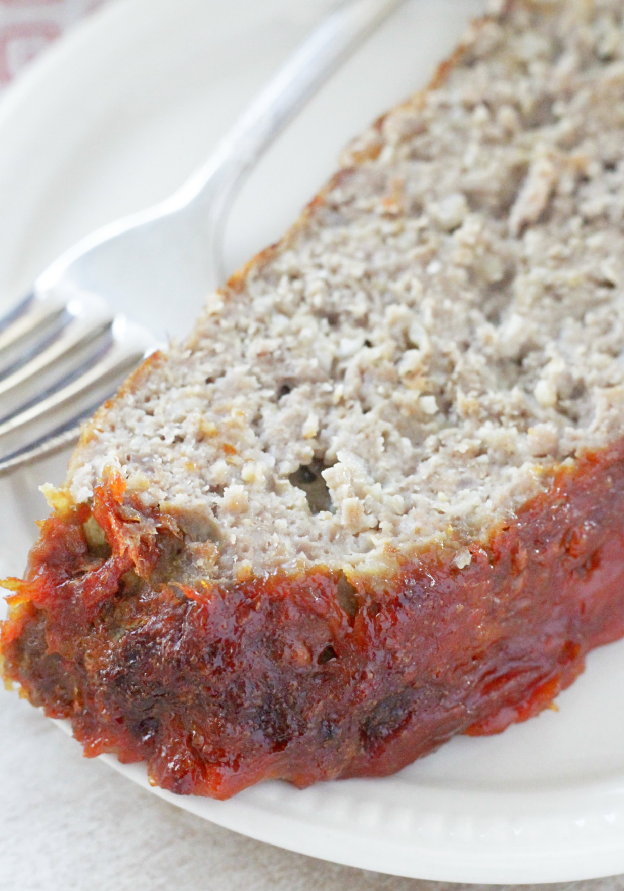 The Best Basic Meatloaf Recipe - simple family dinner - Foodtastic Mom