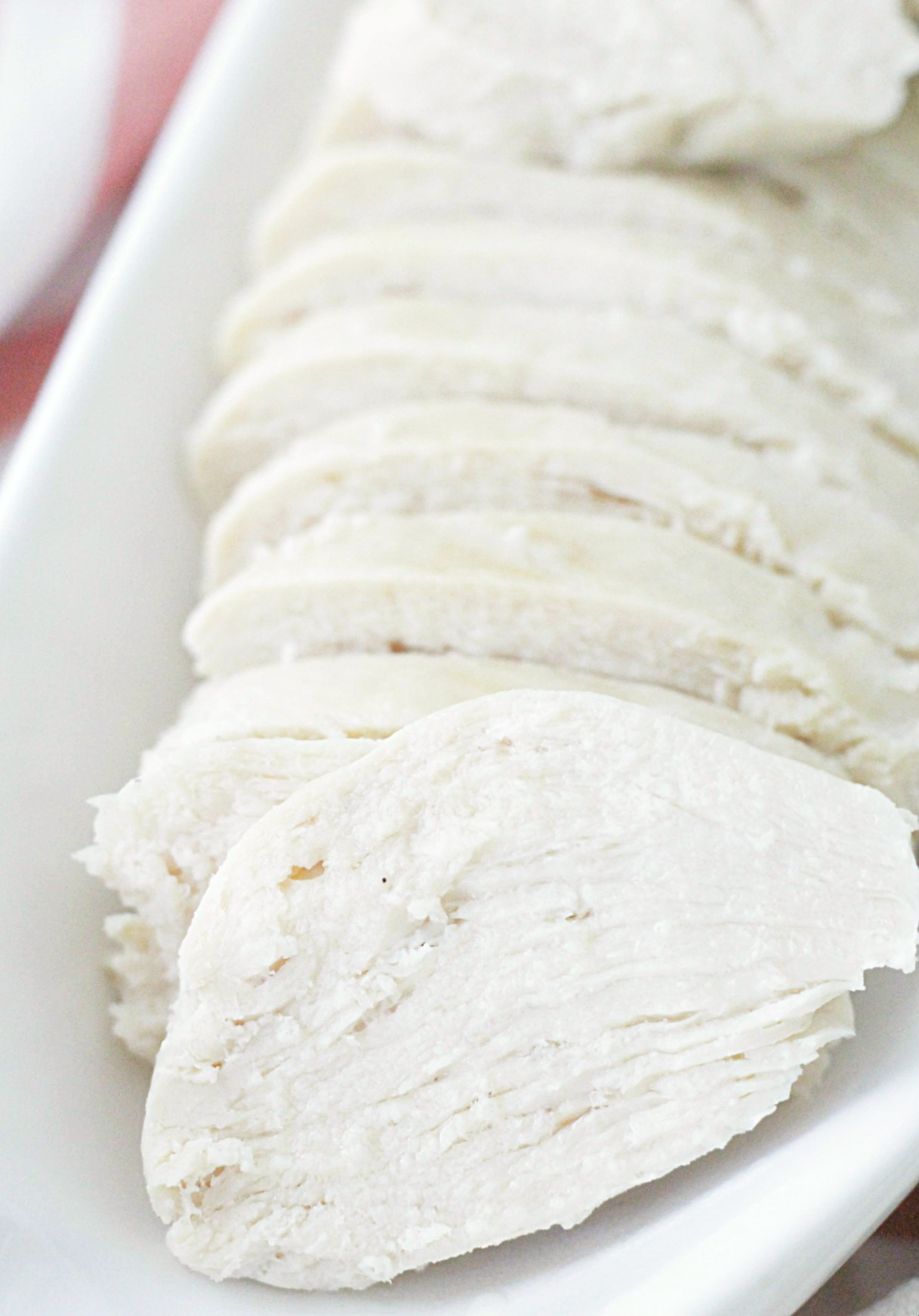 sliced poached chicken