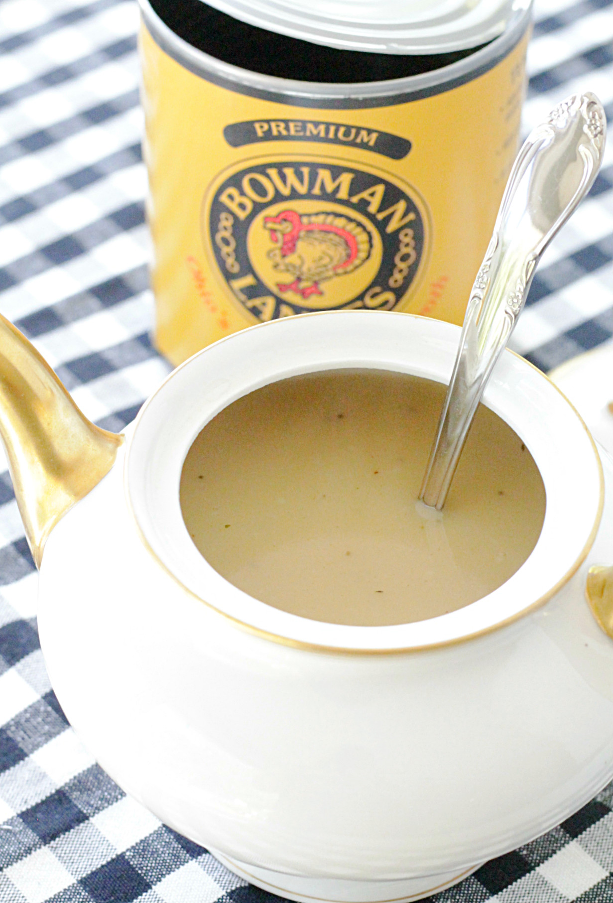 homemade turkey gravy recipe with can of broth