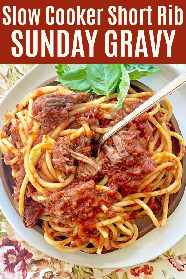 Slow Cooker Short Rib Sunday Gravy | Foodtastic Mom #ad #ohiobeef #slowcookerrecipes #crocktober #shortribs #shortribsrecipes #slowcookerpastasauce