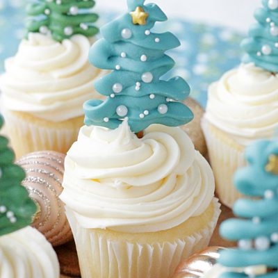Christmas Tree Cupcake Toppers | Foodtastic Mom #ad #askforwhipped