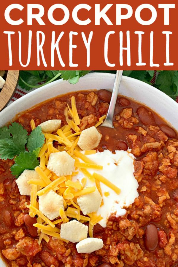 Crockpot Turkey Chili | Foodtastic Mom #chilirecipes #chilirecipescrockpot