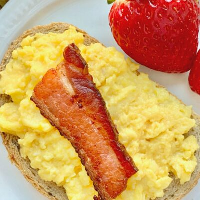 bacon scrambled egg toast