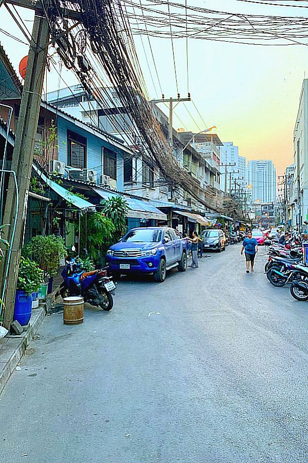 streets of thailand