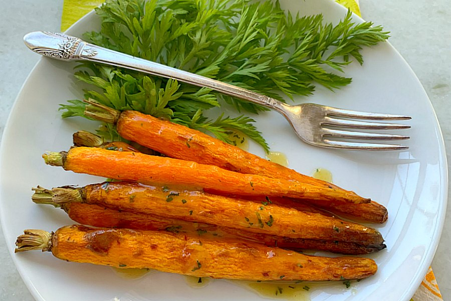 horizontal crop of air fryer carrots