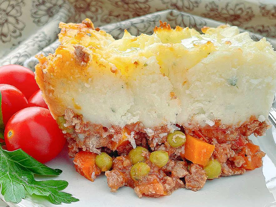 Shepherd's Pie | Foodtastic Mom #shepherdspie #shepherdspierecipe #shepherdspierecipeeasy
