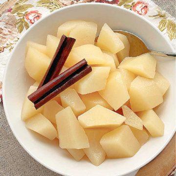 Stewed Pears | Foodtastic Mom #stewedpears #pearrecipes