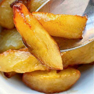 Air Fryer Apples | Foodtastic Mom #airfryerrecipes #airfryerapples #applerecipes
