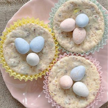 Mini Egg Cheesecake | Foodtastic Mom #minieggcheesecake #minieggrecipes #minieggdesserts