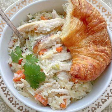 Creamy Chicken Risoni | Foodtastic Mom #chickenrecipes #risoni #chickenrisoni