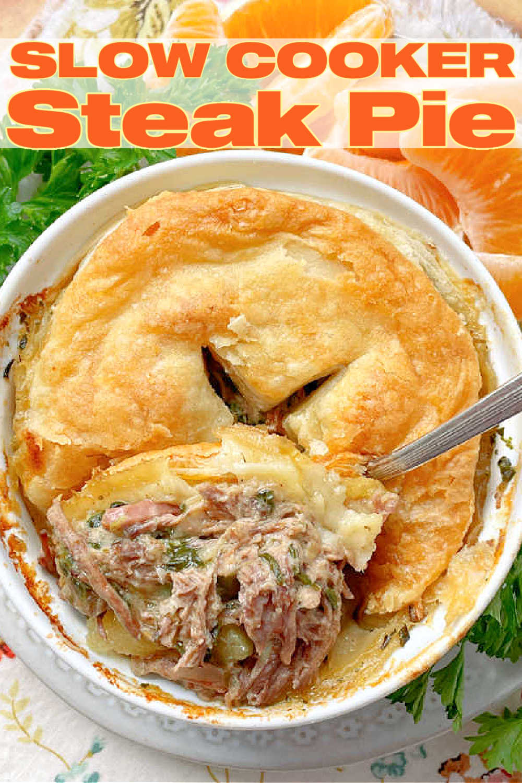 Slow Cooker Steak Pie | Foodtastic Mom #slowcookerrecipes #steakpie #potpierecipes #slowcookersteakpie via @foodtasticmom